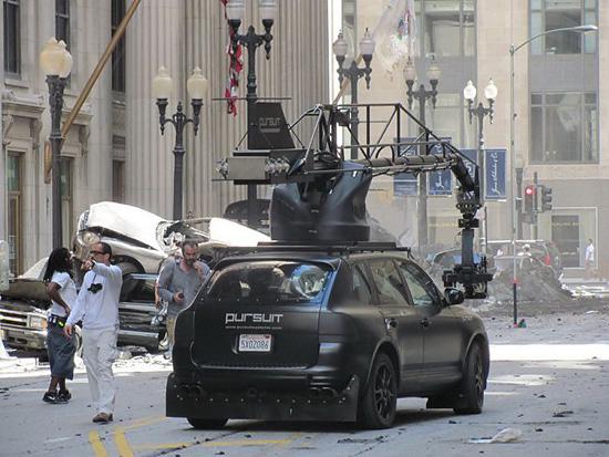 スケールでか過ぎ!41枚の映画『トランスフォーマー3』の撮影現場写真