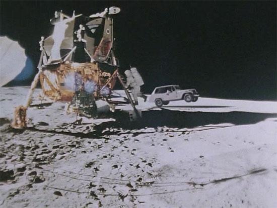 昔の映像に車体を合成したJeepのCM