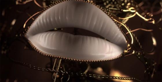 唇の動きがいい感じ。ミュージックビデオ『Turn Me On』