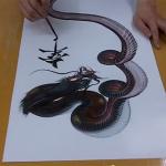 一筆で鱗感のある胴体!魂が宿ってそうな龍の絵の描き方が凄い