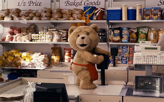 ぬいぐるみのキャプチャーはこうやって撮影された。映画『テッド』のメイキング映像。